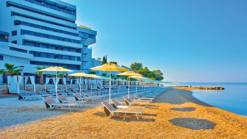 Medora Auri Pool & Beach 10