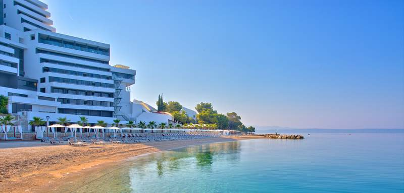 Medora Auri Pool & Beach 9