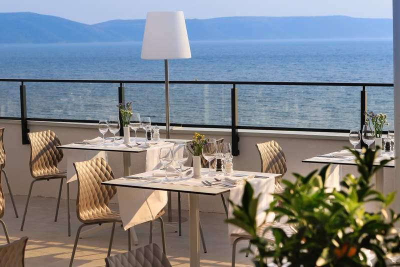 ABR_FB_Dalmatino_Main_Restaurant_-_Terrace_View__2_